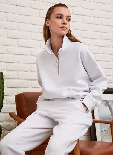 People By Fabrika Şardonlu Sweatshirt Beyaz